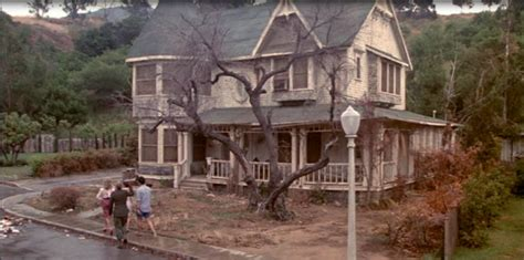 pop quiz name these 10 halloween movie houses hooked on pop quiz name these 10 halloween movie houses