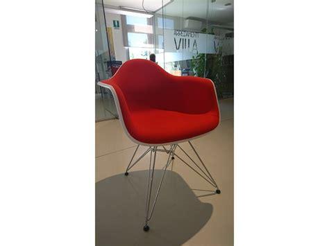 sedie con braccioli prezzi sedia con braccioli da soggiorno vitra a prezzo scontato