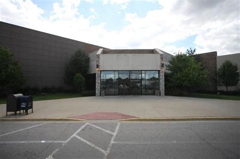 Value City Furniture Niles Il by Golf Mill Shopping Center Niles Illinois