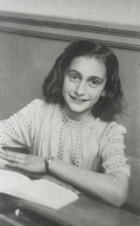 biography anne frank summary let me be myself the life story of anne frank visual