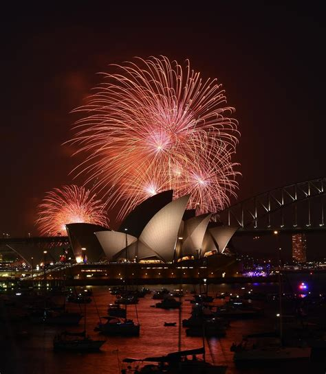 new year fireworks sydney 2014 sydney new year fireworks to be live streamed on
