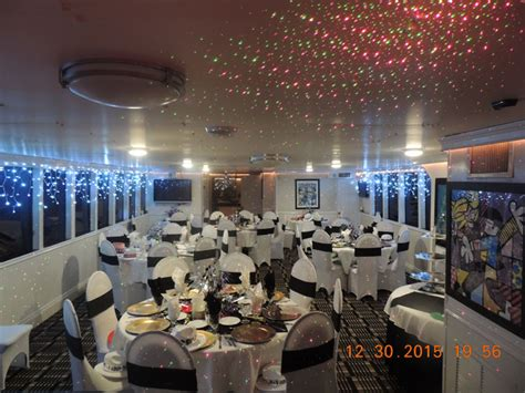 disco party boat miami new years eve party dance firworks dinner cruise miami