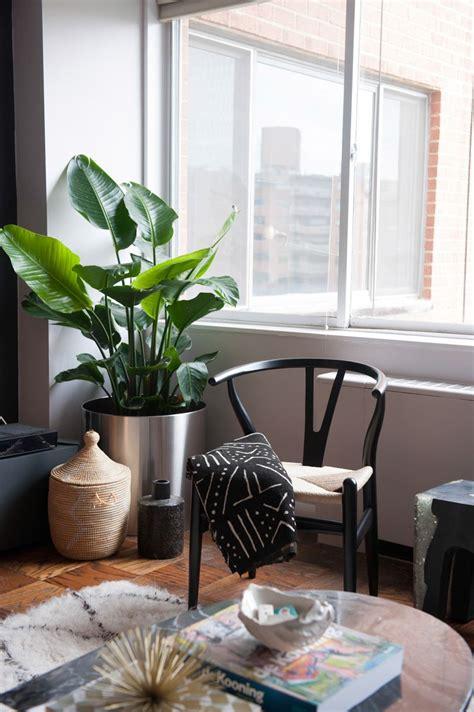 wishbone chair black wood  chair living space wishbone chair living room chairs living