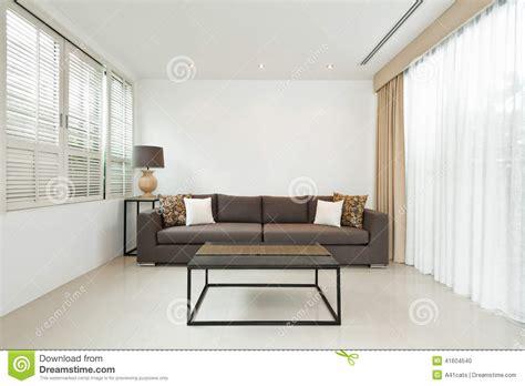 helles sofa helles wohnzimmer mit grauem sofa stockfoto bild 41604540