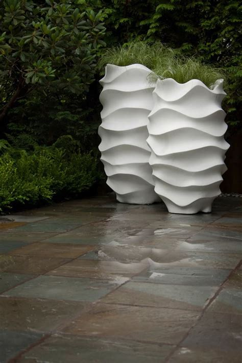 White Outdoor Plant Pots 25 Best Ideas About Contemporary Planters On
