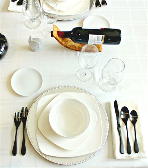 casual table setting how to set an informal table the complete savorist