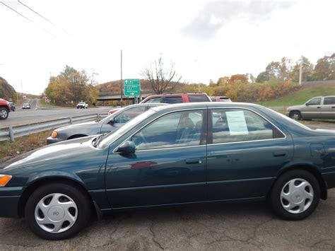 What Of Does A 1998 Toyota Camry Take 1998 Toyota Camry Overview Cargurus
