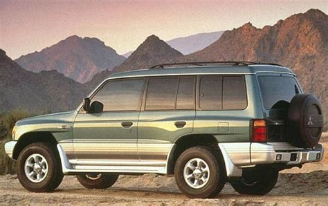 mitsubishi suv 1998 2000 mitsubishi montero information and photos zombiedrive