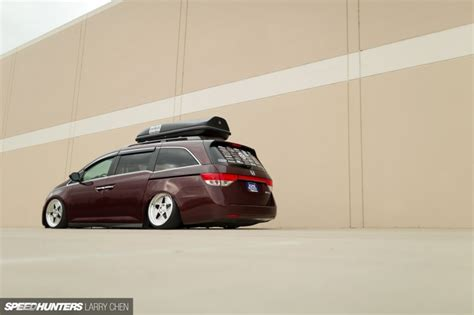 burnouts for all the family the 1029hp minivan larry chen speedhunters bisimoto honda odyssey 2