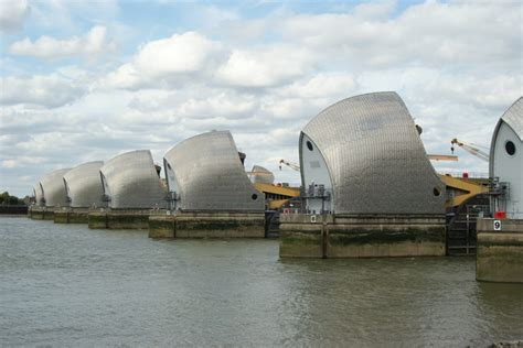 thames barrier issues the river thames primary school geography encyclopedia