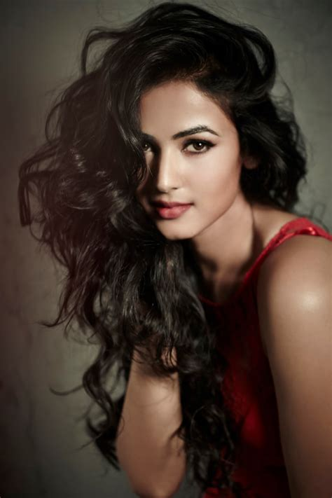 sonal chauhan ringtone download sonal chauhan latest photoshoot wallpaper hd free