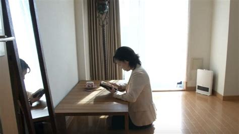 japanese minimalist living less is more as japanese minimalist movement grows