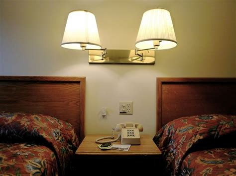 cheap motel rooms best 25 cheap motels ideas on cheap motel rooms motel room and motel