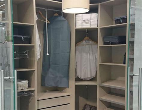 vestidor leroy merlin encuentra espacio para hacer un vestidor leroy merlin