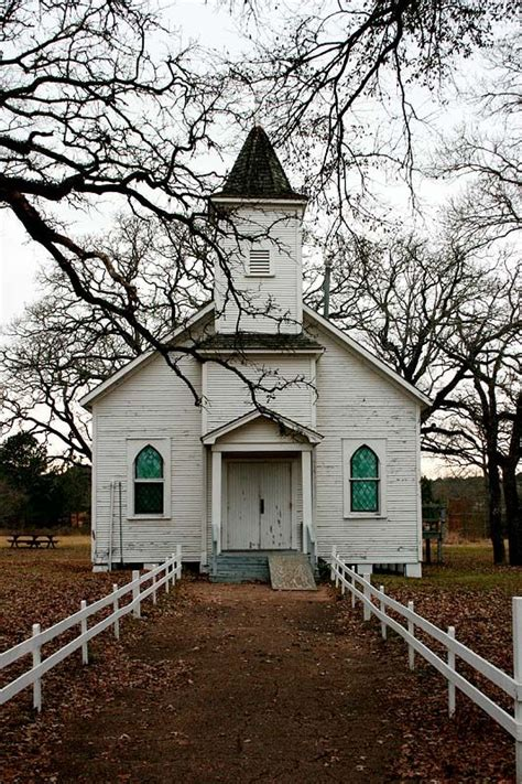 Tiny Houses In Illinois beautiful white country church churches pinterest