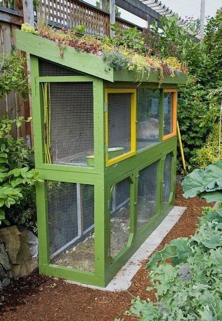 chicken coop for small backyard 25 best ideas about small chicken coops on pinterest