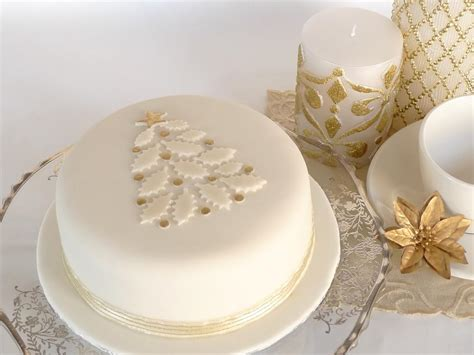 you have to see christmas cake on craftsy