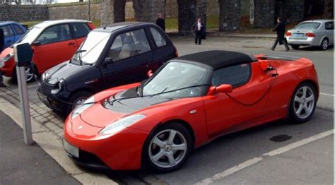 Buy Used Tesla Roadster Will Buy Electric Cars If They Re Cheap Privileged