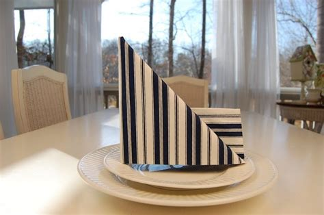 sailboat napkin fold