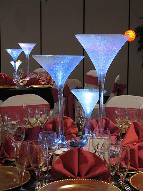 martini glasses wedding centerpieces best 25 martini glass centerpiece ideas on