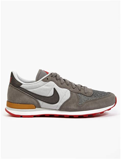 nike sneakers mens nike mens internationalist city qs sneakers in white for
