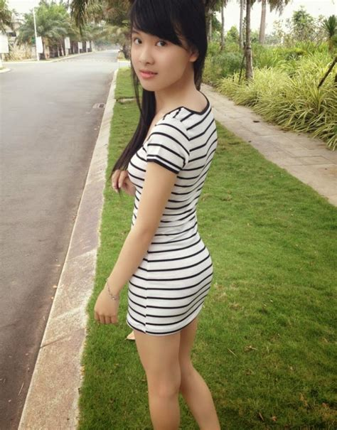 Enjoy The Blossoming Body Of A Vietnamese Teen Girl The