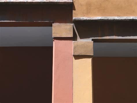 casa base bologna city lungo le strade di morandi l omaggio al maestro