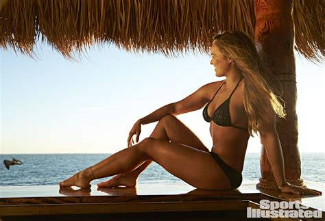 ronda rousey sports illustrated swimsuit issue ronda rousey in sports illustrated swimsuit 2015 issue