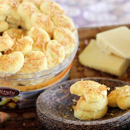 Kue Kering Almond Cheese Coklat Aneka Kue Lebaran Ina Cookies Snack toko jual grosir kue kering coklat lebaran gouda chesse murah