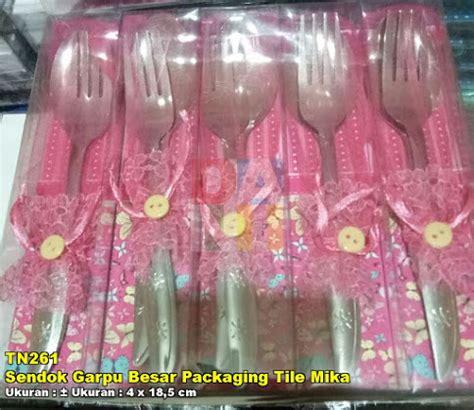 Souvenir Sendok Garpu Besar sendok garpu besar packaging tile souvenir pernikahan
