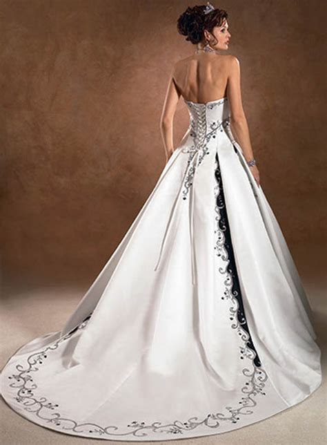 Wedding Dresses In Color by What Color Wedding Dress Should I Choose Sang Maestro