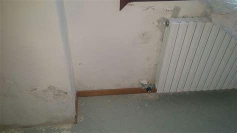 infiltrazioni d acqua dal soffitto macchie infiltrazioni acqua soffitto casamia idea di