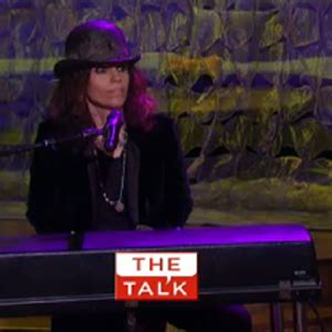 linda perry on the talk watch natasha bedingfield and linda perry perform on the