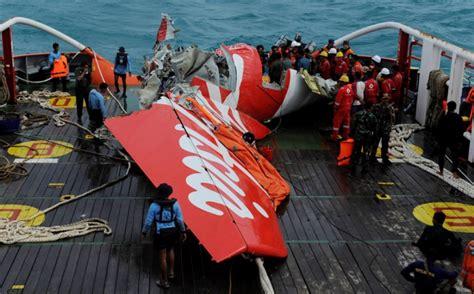 video kronologi jatuhnya pesawat airasia qz8501 kronologi jatuhnya airasia qz8501 okezone news