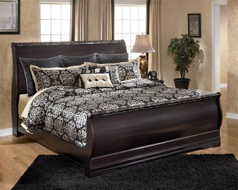 esmeralda sleigh bedroom set signature design by ashley furniture esmarelda king sleigh