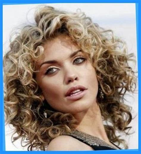 permed medium length hairstyles 25 best permed medium hair ideas on pinterest curly