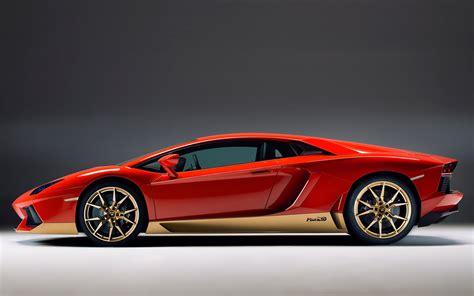 Goldener Lamborghini by Lamborghini Celebrates Miura Golden Anniversary With