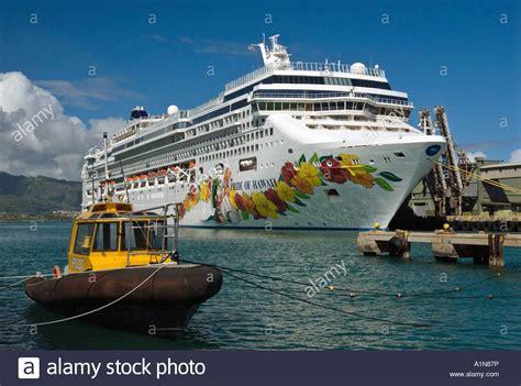 boat cruise hawaii pride of hawaii cruise ship in maui hawaii stock photo