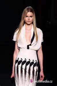 pret a porter printemps ete 2012 hairstyle