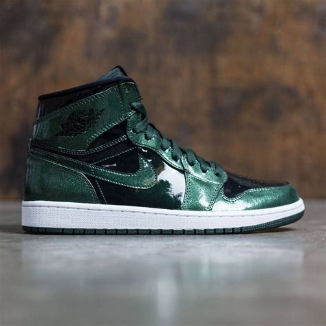 jordan men air jordan  retro high grove green black white