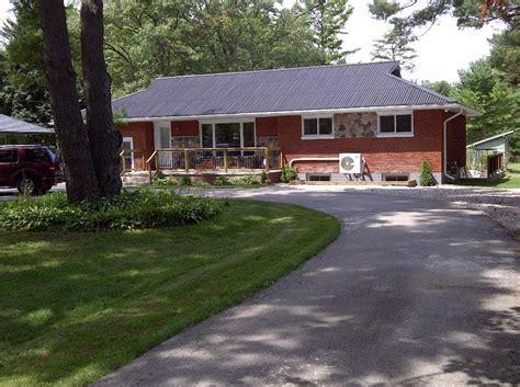 updated 2019 allthebestone grand bend cottage