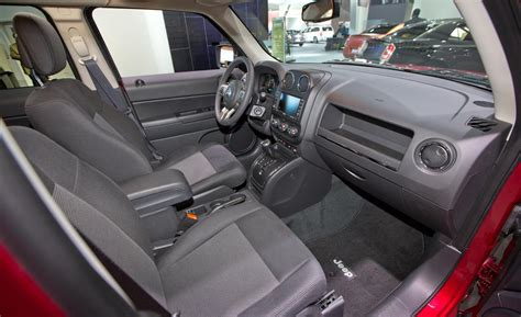 jeep patriot interior car and driver