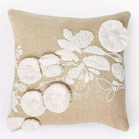 25 throw pillows edition
