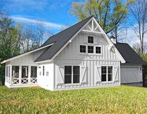 carriage house door plans 25 best ideas about carriage house on pinterest carriage house garage carriage
