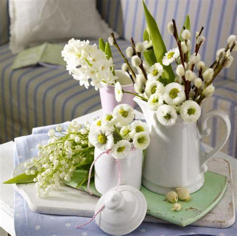 simple flower arrangements for tables 22 ideas for spring home decorating with flowers simple