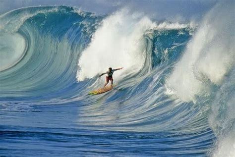 imagenes de olas impresionantes impresionantes fotos de olas rompiendose planeta curioso
