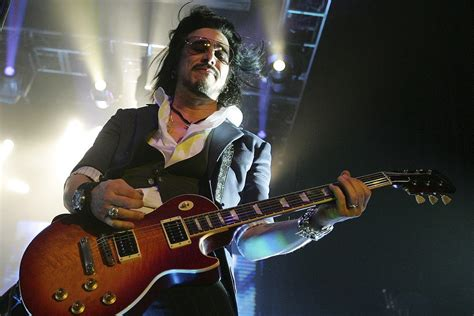 gilby clarke gilby clarke doesn t think classic guns n roses lineup