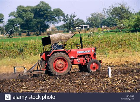 mahindra tractor price india tractor mahindra b275di ploughing field theur pune