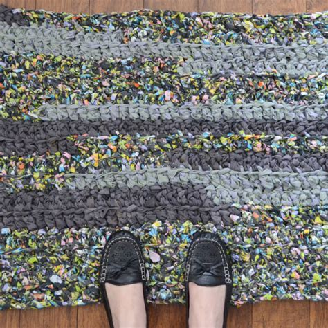 crochet rag rug tutorial upcycled linens crochet rag rug tutorial a bigger