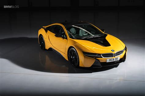 bmw individual colors bmw offers individual colors for the i8 hybrid sportscar